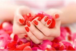 Нежность и благополучие женских рук.